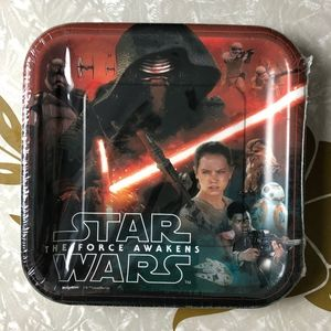 NWT DesignWare Star Wars Force Awakens 9 in Plates